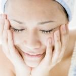 洗顔・クレンジングのしすぎに注意!大人ニキビは敏感肌が原因